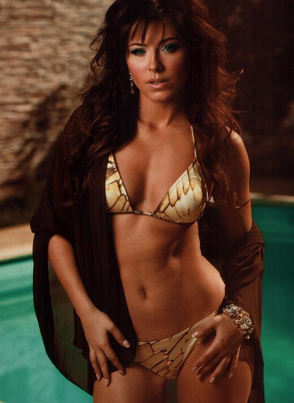 Голая Ани Лорак на фото из журнала Maxim