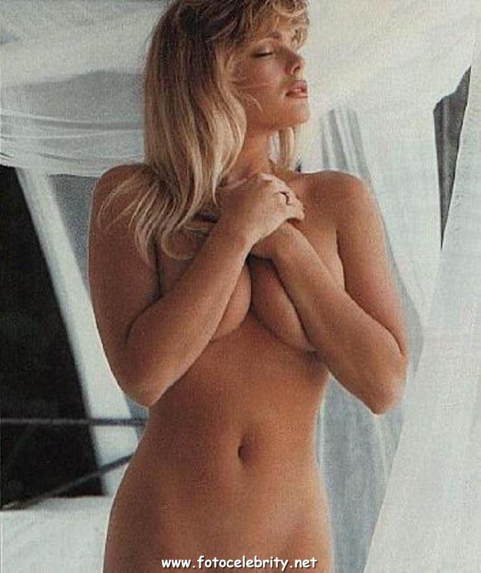 эрика элениак фото голая
