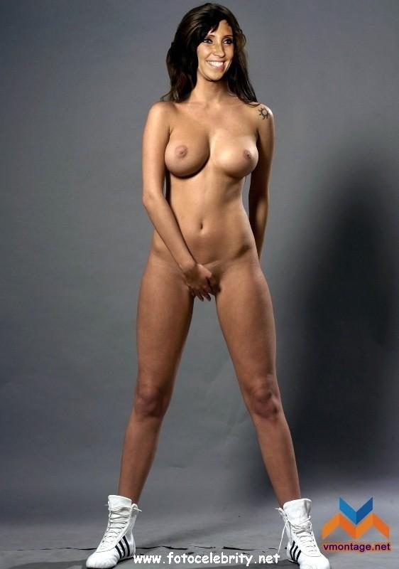 Порно фото зейналовой, брюнетка лежа виляет попой в розовом белье