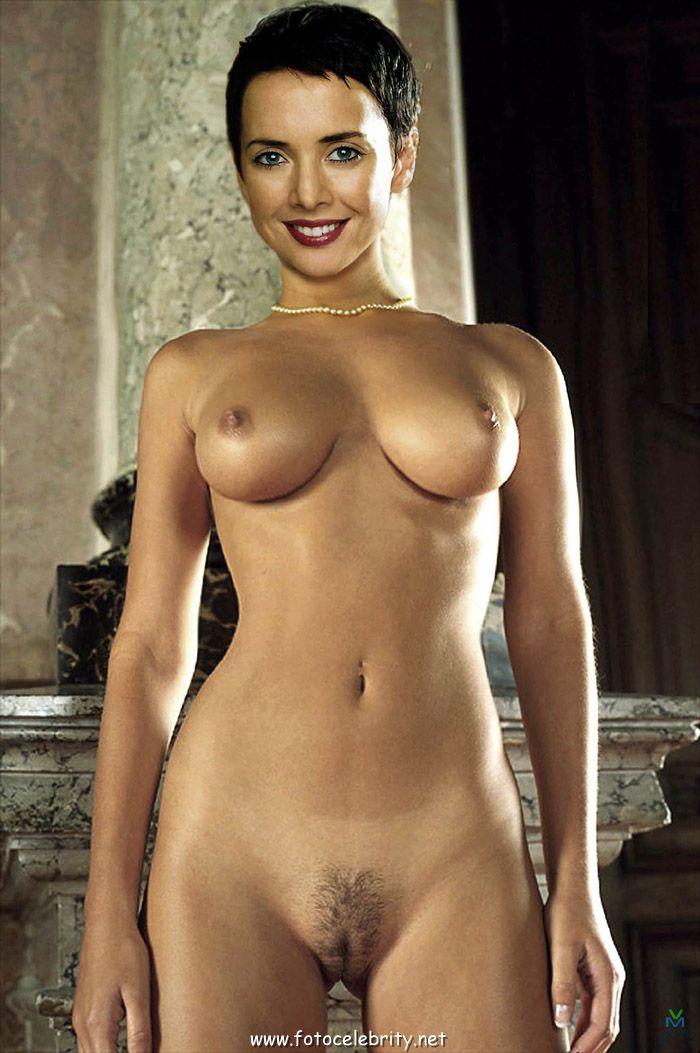 golaya-i-seksualnaya-fotomodel