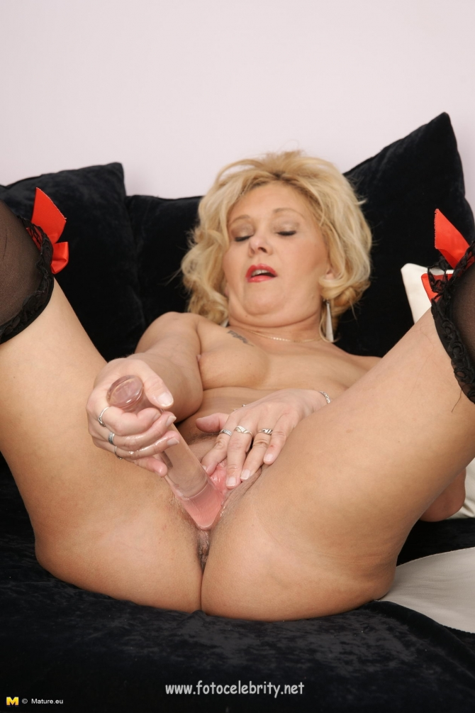 Milf movie son stocking thumb