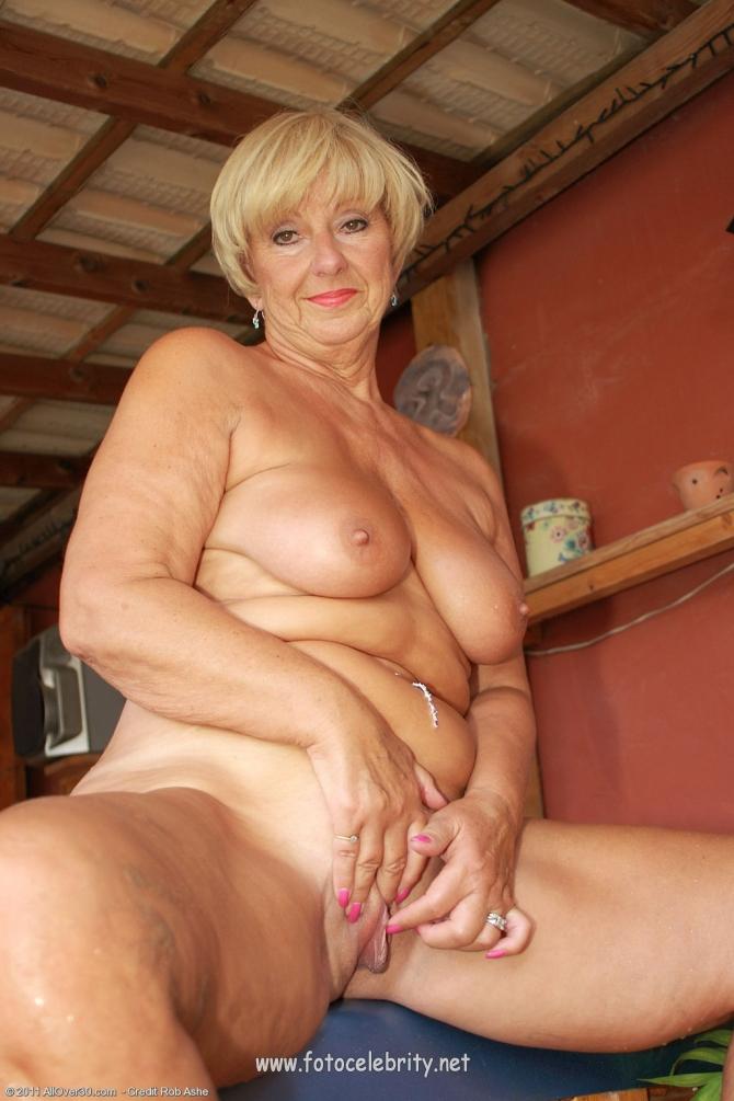 фото голых пожилых женщин онлайн