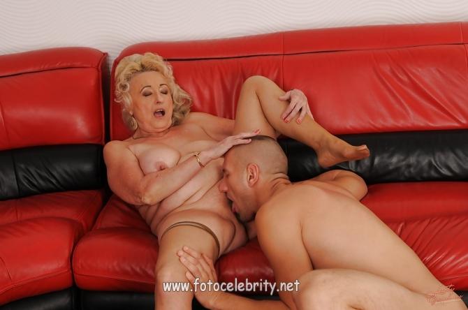 секс фото лысая пися бабушки и внук