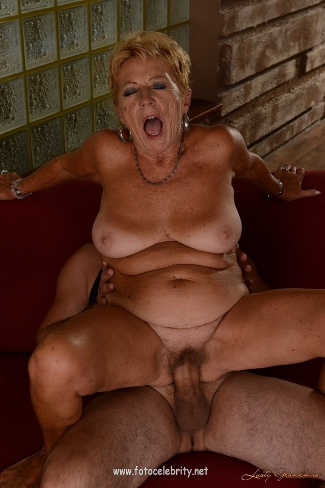 Фото ню старых проституток