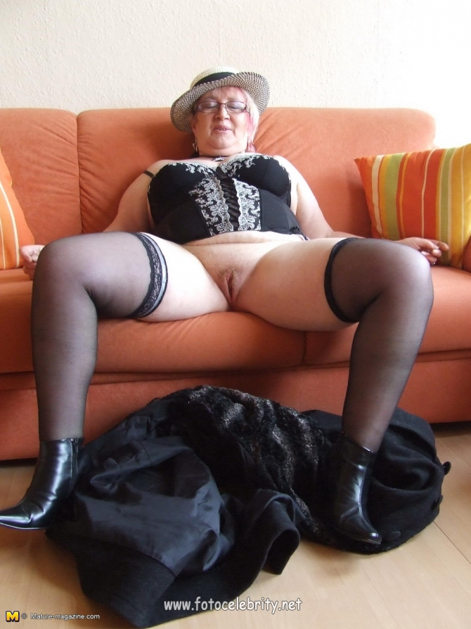 Порно полные бабушки в белье