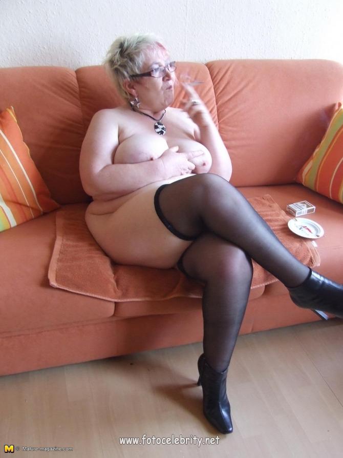 Порно фото толстые бабушки чулках