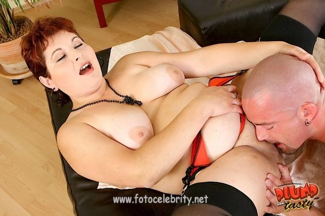 Жирную начальницу в сраку порно