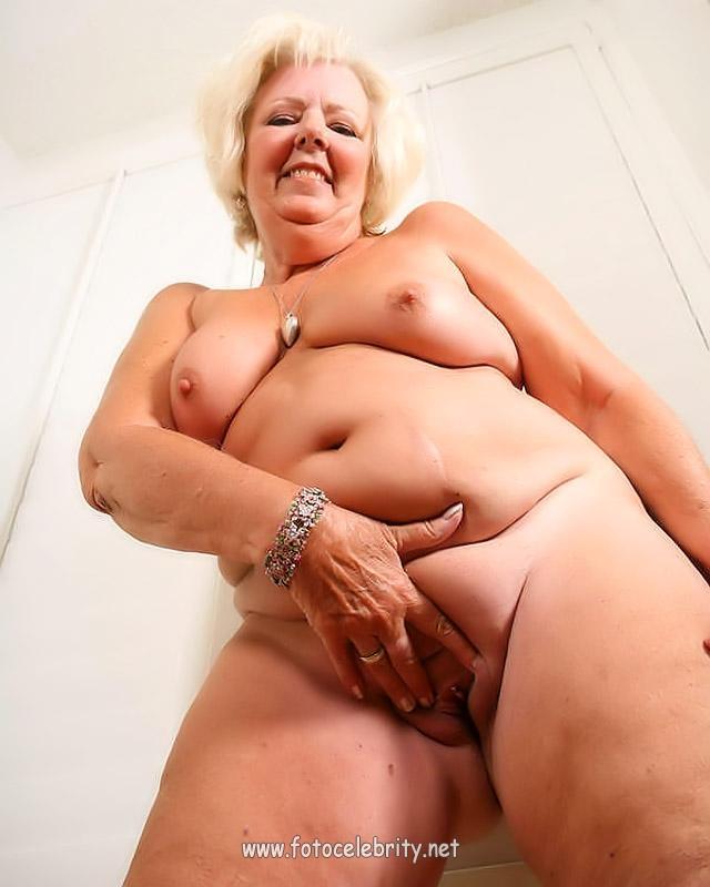 Глотания спермы голые старые женщины порно фото