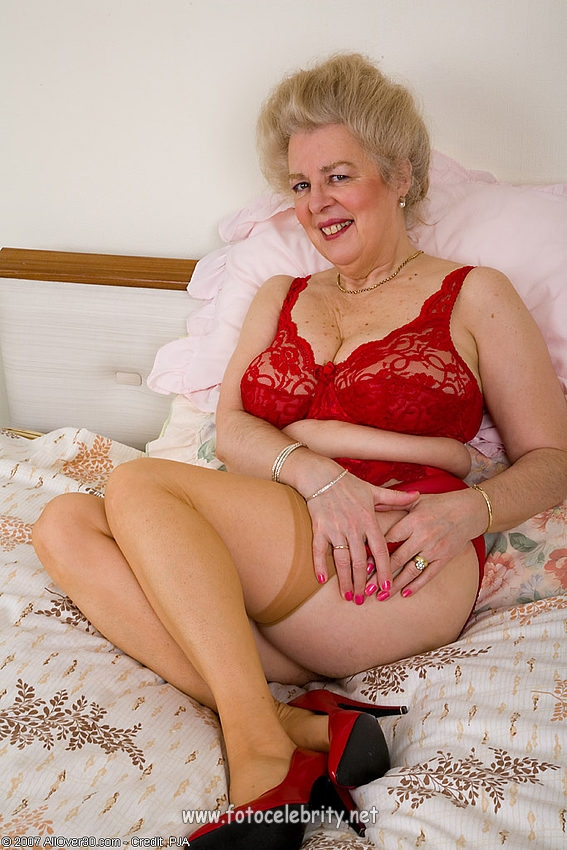 Порно фото старые в белье
