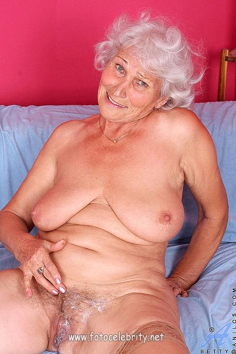 70 летняя шлюха старая
