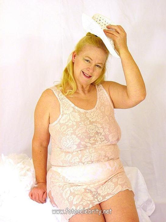 порно фото толстая монашки