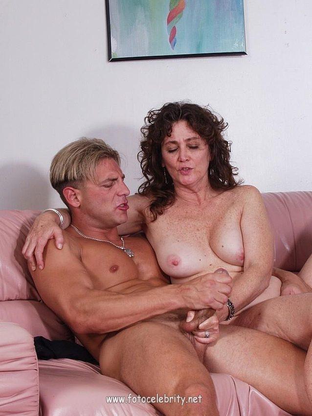 seks-onlayn-zrelie-i-pozhilie